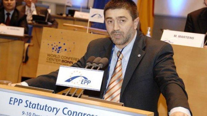 Analiză Timpul.md: Istoria eşecurilor PPE în Moldova sau cum alegerile proaste distrug o poveste de succes