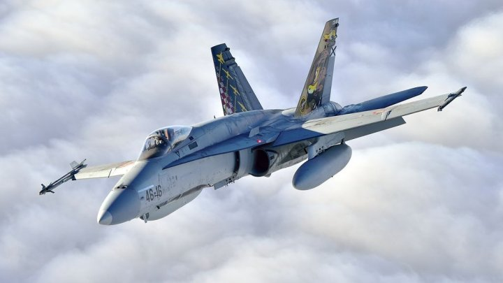 Un avion militar F 18 s-a prăbușit în apropiere de Madrid