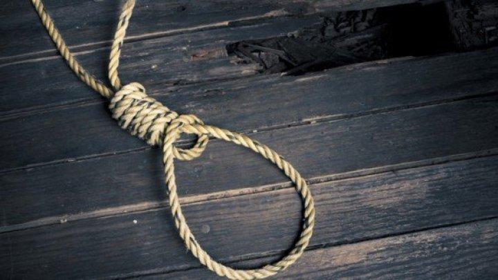 Caz înfiorător! Un bărbat din Iași s-a sinucis, după ce și-ar fi lăsat fiica însărcinată