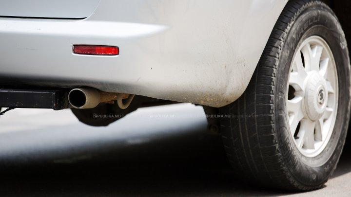 Ce au păţit trei şoferi care au parcat neregulamentar pe o stradă din Capitală (FOTO)
