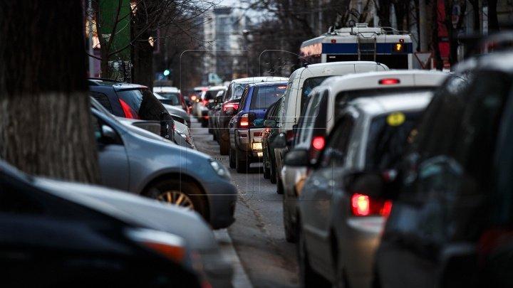 InfoTrafic: Flux majorat de transport în Capitală