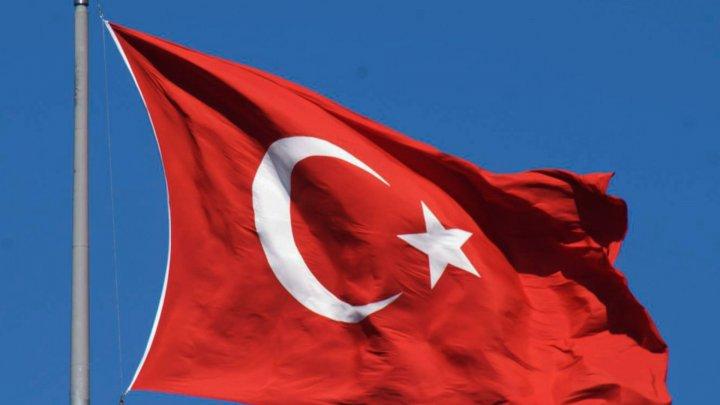 Avion prăbuşit în Turcia. Trei soldaţi şi-au pierdut viaţa