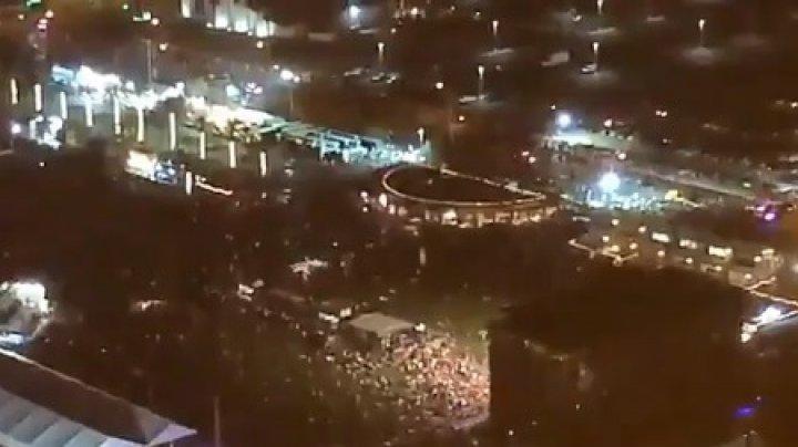 ATAC ARMAT ÎN LAS VEGAS. Cel puţin doi oameni au murit şi 24 au fost răniţi în timpul unui festival de muzică. Mai multe avioane, REDIRECŢIONATE (VIDEO)