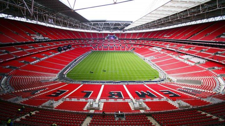 Doi fani, acces interzis pe viaţă pe stadionul Wembley. Ce faptă ruşinoasă au făcut (VIDEO)