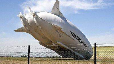 Cea mai mare aeronavă din lume s-a prăbușit în Marea Britanie. Carcasa de 20 de tone, distrusă în totalitate