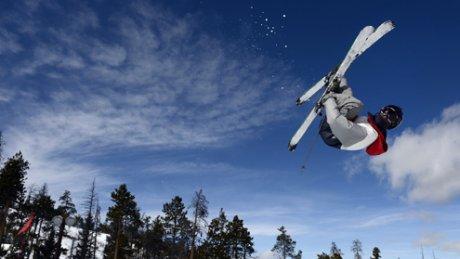 Căzături urâte la Cupa Mondială de schi alpin. Austriaca Nadine Fest şi italianca Laura Pirovano au căzut în timpul cursei