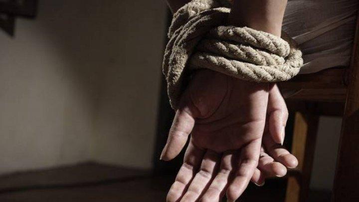 13 copii torturați în SUA. Mărturia uluitoare a unui vecin