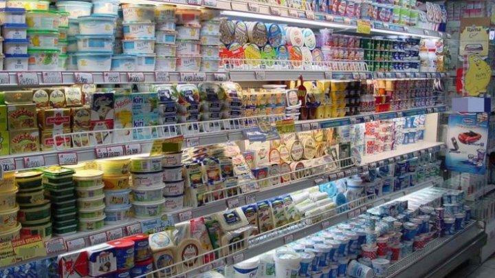 Surprize neplăcute într-un supermarket. Ce au găsit clienţii pe rafturi (VIDEO)