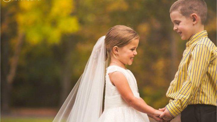 EMOȚIONANT! Mireasă la cinci ani. De ce a mers micuța la acest pas (FOTO)