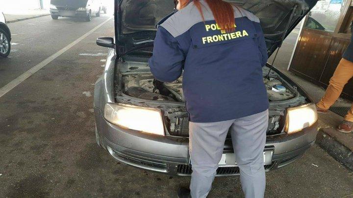 Un cetăţean român a vrut să aducă în Moldova un automobil de marca Mercedes, cu numere de înmatriculare false
