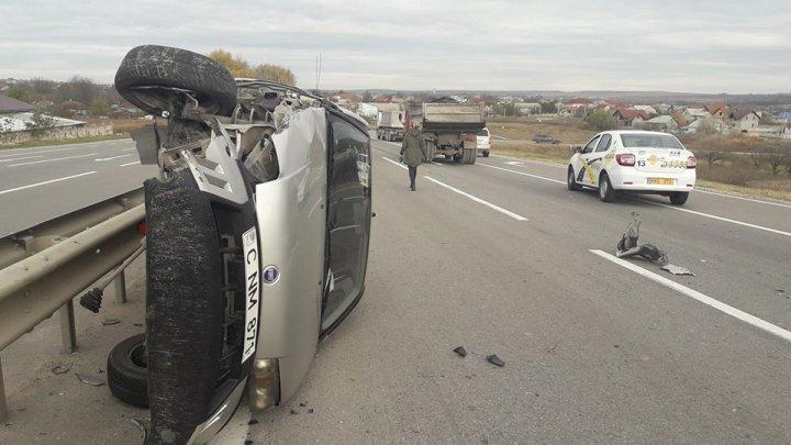 Accident cumplit în apropiere de Măgdăceşti. Un automobil s-a lovit violent cu un KAMAZ (FOTO)