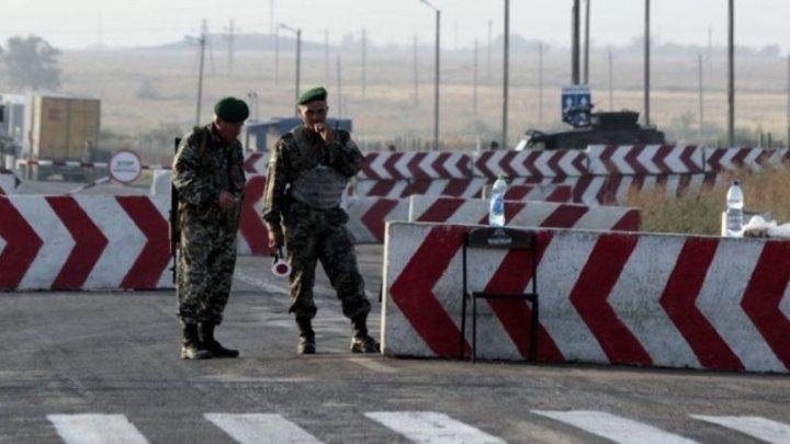 """""""Pentru securitate"""". Rusia ridică un gard înalt de doi metri între Ucraina și Crimeea"""