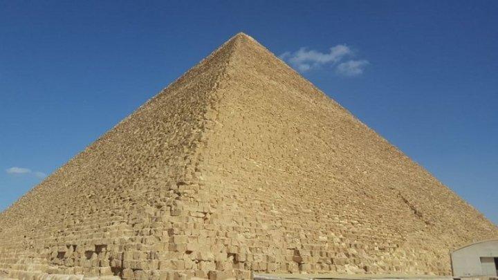 Ce se întâmplă CHIAR ACUM în interiorul Piramidei lui Keops