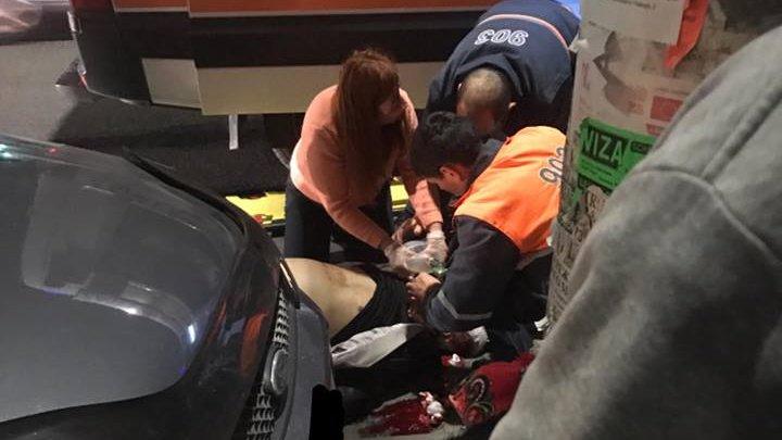 ACCIDENT DE GROAZĂ în Capitală! Un bărbat, lovit violent de o maşină (Imagini cu puternic impact emoțional)