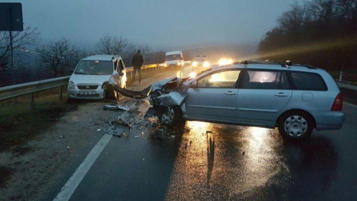 PLOAIA FACE RAVAGII! Două persoane, victimele unui accident produs în apropiere de Orhei