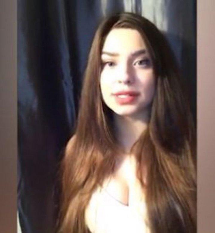 """O tânără de 19 ani și-a vândut virginitatea pentru 3 milioane de dolari. Pentru ea """"s-au bătut"""" un star de la Hollywood şi un om de afaceri"""