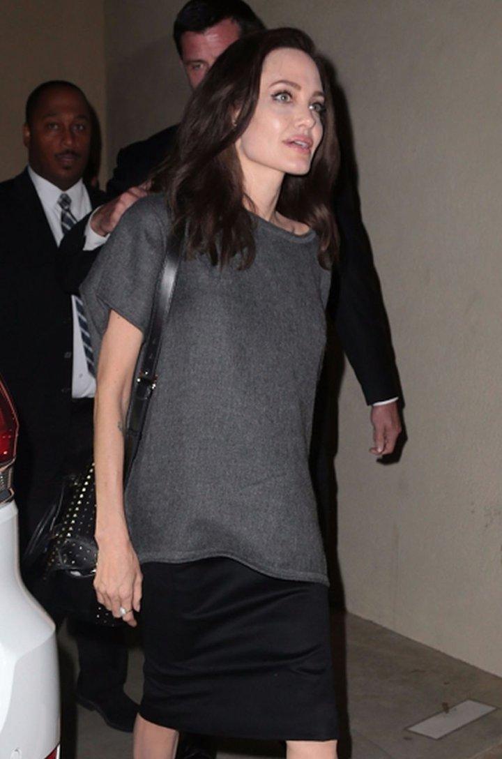 Angelina Jolie, apariţie ŞOCANTĂ! Frumoasa actriţă a ajuns să fie piele şi os