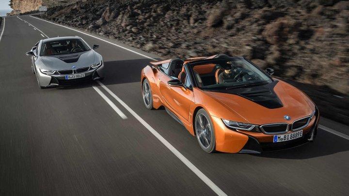 Autonomie mai mare și consum redus. BMW a prezentat noul i8 Roadster și versiunea cu facelift a lui i8