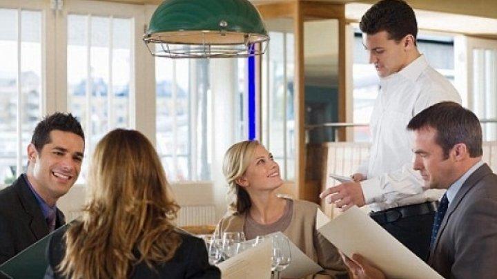 Într-un restaurant din Barcelona clienţii vor putea să îşi achite comenzile folosind o aplicaţie de recunoaştere facială