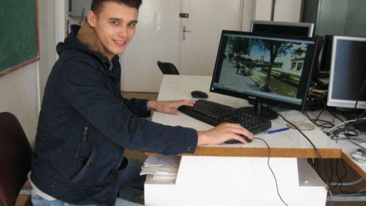 Tânăr, ambiţios şi talentat. Daniel Plângău, moldoveanul care a inventat holograma pentru prevenirea accidentelor provocate de ceaţă