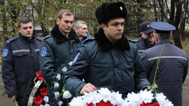 Un an de la incendiul devastator de pe strada Uzinelor, care a luat viața pompierului EROU Ivan Nagailîc (FOTO)