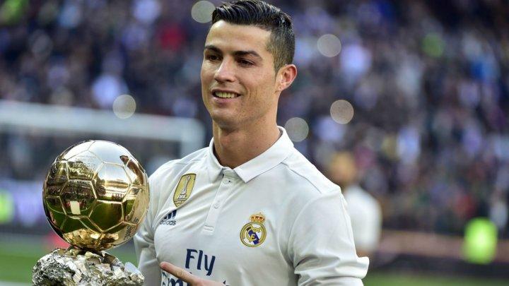 Cristiano Ronaldo, onorat cu un bust pe măsură, după primul eşec de pe aeroportul din Madeira