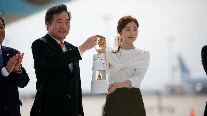 Flacăra olimpică a ajuns în Coreea de Sud, cu 100 de zile înaintea ceremoniei de deschidere a JO de iarnă