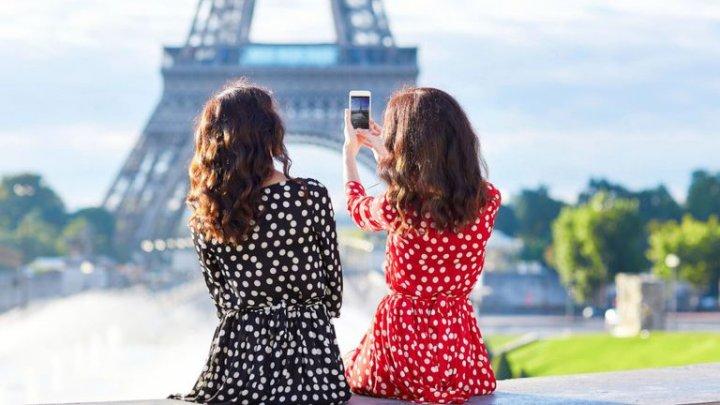 Rişti să fii dat în judecată! MOTIVUL pentru care este ilegal să fotografiezi Turnul Eiffel noaptea