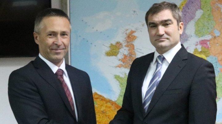 Viceministrul afacerilor externe Lilian Darii l-a primit pe ambasadorul agreat al Slovaciei Dušan Dacho
