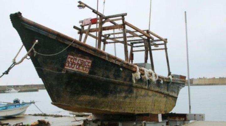Nave-fantomă din Coreea de Nord, eșuate pe coasta Japoniei. La bord au fost descoperite 10 cadavre