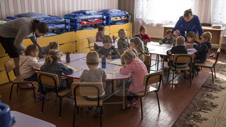Părinţii din Chişinău îşi pot înscrie online copiii la grădiniţă