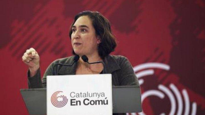 Primarul Barcelonei, Ada Colau, acuză guvernul lui Puigdemont că a condus Catalonia la dezastru