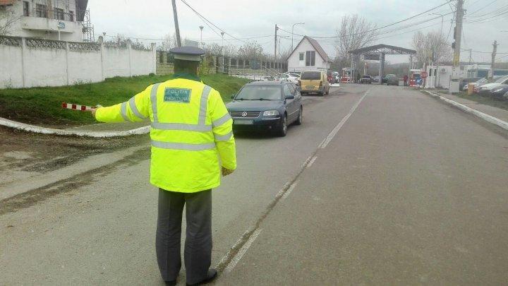 Un bărbat de 45 de ani, depistat la Rădăuți Prut pentru că conducea un autoturism neînmatriculat