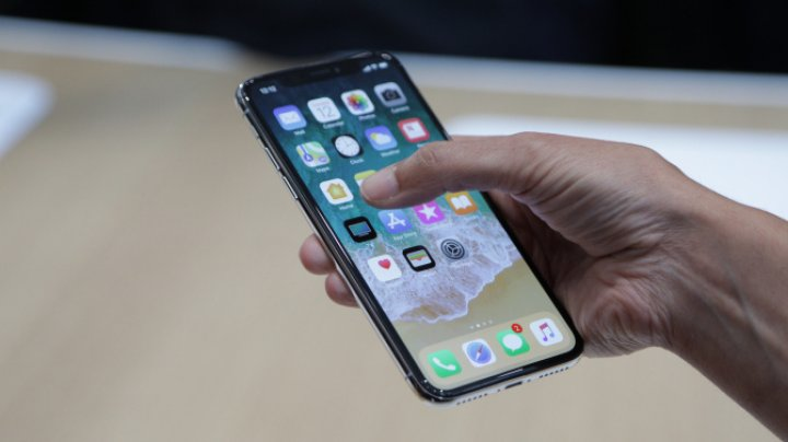Touchscreen-ul la iPhone X nu rezistă la temperaturi scăzute. Apple susţine că va rezolva problema prin update de software