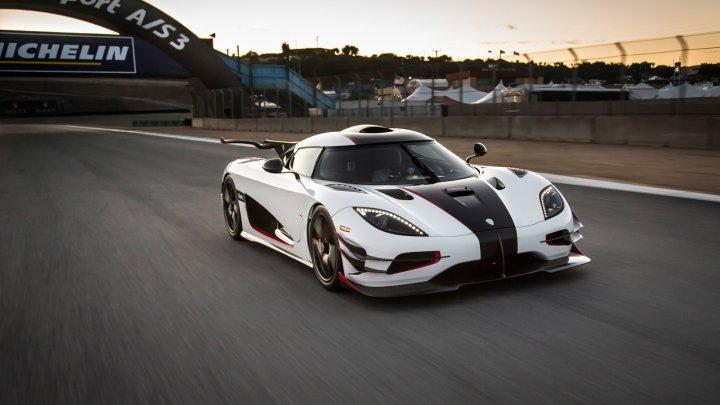 E cea mai rapidă mașină de serie din lume! A atins viteza de 447 km/h