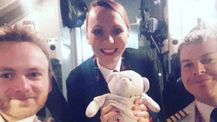 O jucărie de pluş a călătorit sute de kilometri pentru a ajunge la proprietara sa de numai patru ani care a pierdut-o într-un aeroport (FOTO)