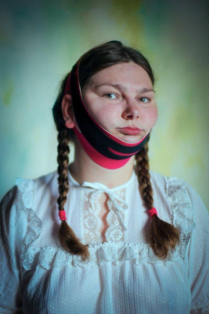 Femeile fac eforturi tulburătoare pentru frumuseţe. Ce limite au trecut unele (FOTO)