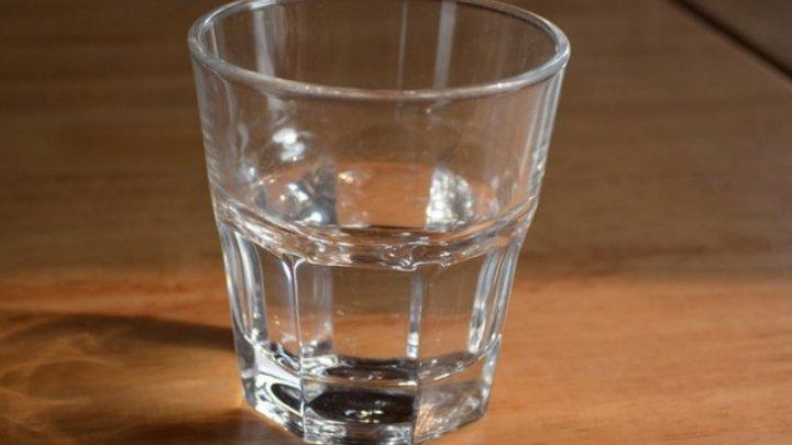 Bine de știut! Cum să alungi energiile negative din casă cu un banal pahar cu apă