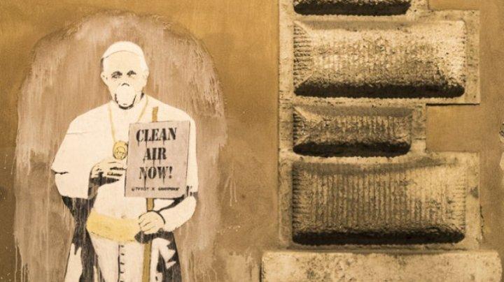 Papa Francisc, cu mască pe față. Ce avertisment lansează Suvernaul Pontif