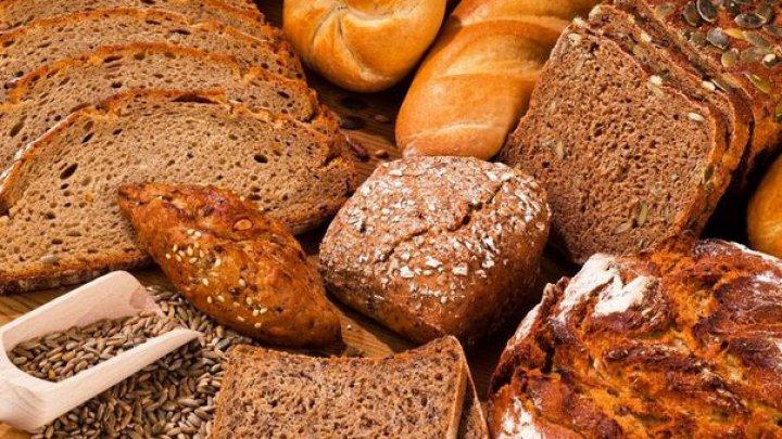 Atenție la pâinea neagră falsă! Cum să o recunoști care este de calitate