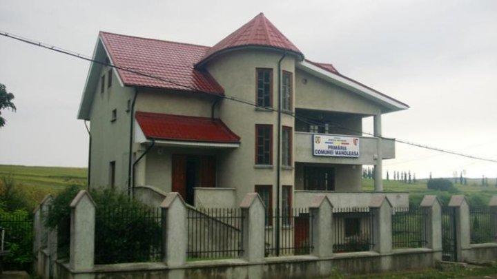 GREU DE CREZUT! O primărie din România riscă să rămână fără sediu din cauza unui DIVORŢ
