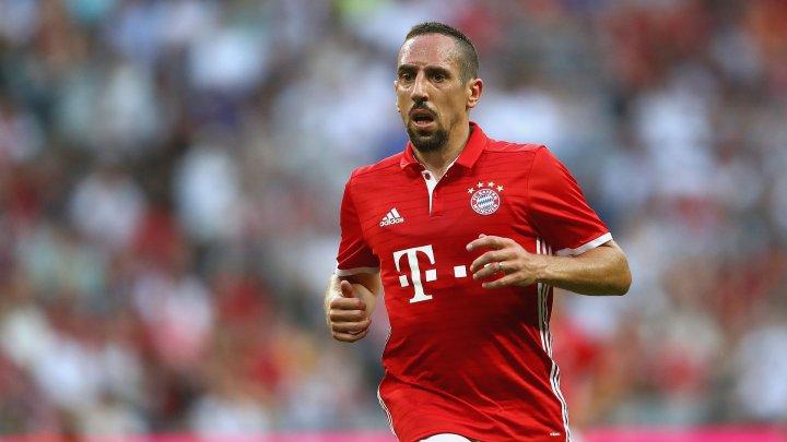 Franck Ribery este bun la toate! Mijlocaşul lui Bayern Munchen a jonglat cu piciorul bandajat