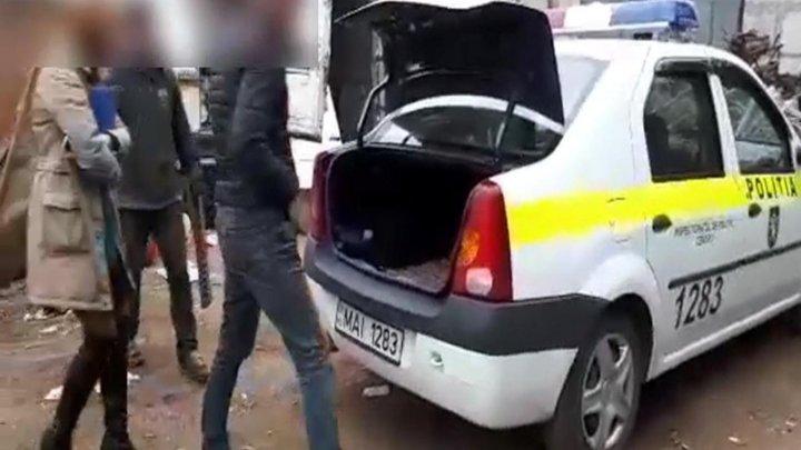 Bărbat din Ialoveni, reținut de polițiști pentru furtul grilelor de canalizare pluvială (VIDEO)