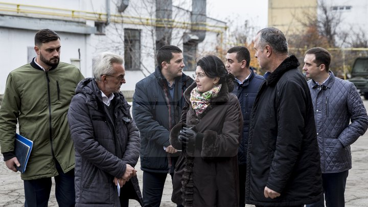 Autorităţile din Chişinău spun că sunt pregătite de iarnă, chiar dacă autospecialele sunt vechi (FOTOREPORT)