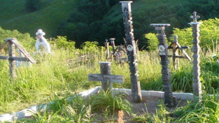Vorbește Moldova: Povestea rudelor care au început să sape mormântul pentru femeia vie din satul Boșcana