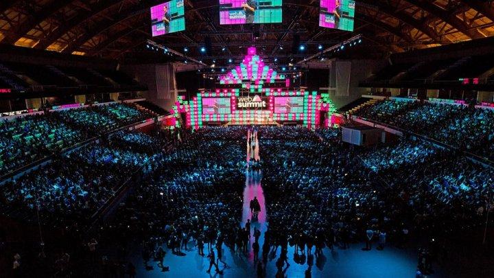 FORFOTĂ la Lisabona! Începe cel mai important congres dedicat noilor tehnologii din Europa