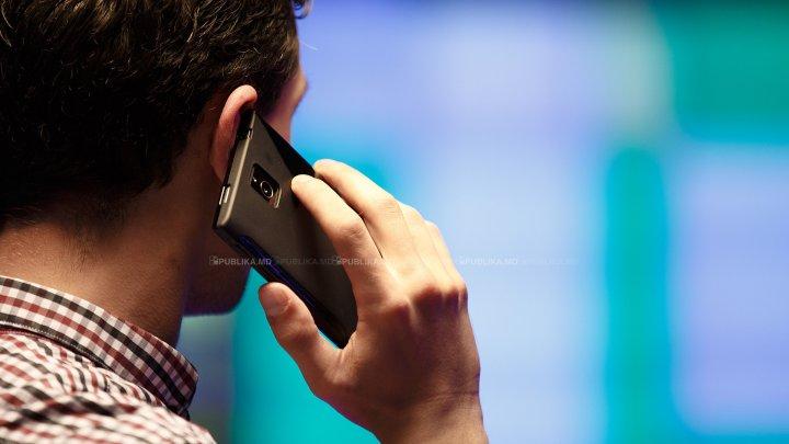 Tot mai puţini moldoveni ales să îşi porteze numărul de telefon la un alt operator