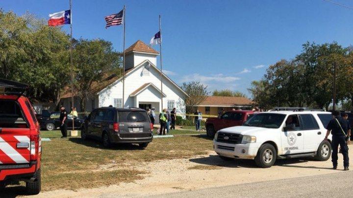 Ultima fotografie postată pe Facebook de autorul masacrului din biserica din Texas