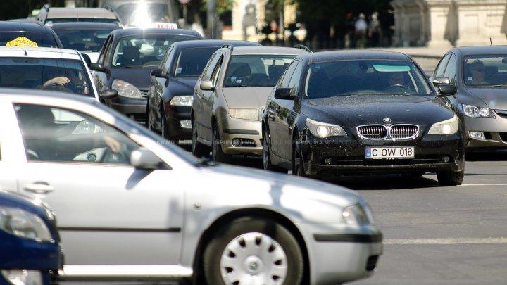 Cine trece primul în intersecţie? GREŞEALA pe care o fac toţi şoferii (FOTO)