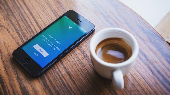 """După Facebook, şi Twitter lucrează la o secțiune numită """"Salvează pentru mai târziu"""""""